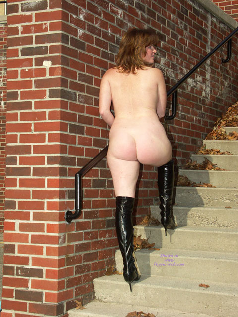 Pic #6 Lisajane In Her Black Boots