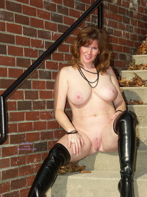 Pic #7 Lisajane In Her Black Boots