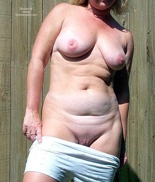 Pic #8 - Naughty Wife Outside