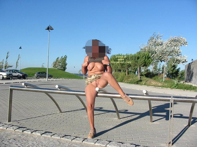 Pic #7 - Portuguese Body In  Public