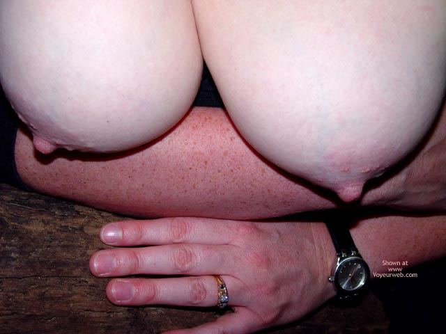 Pic #3 - Bbw Vicki Gets Naked In The Forest