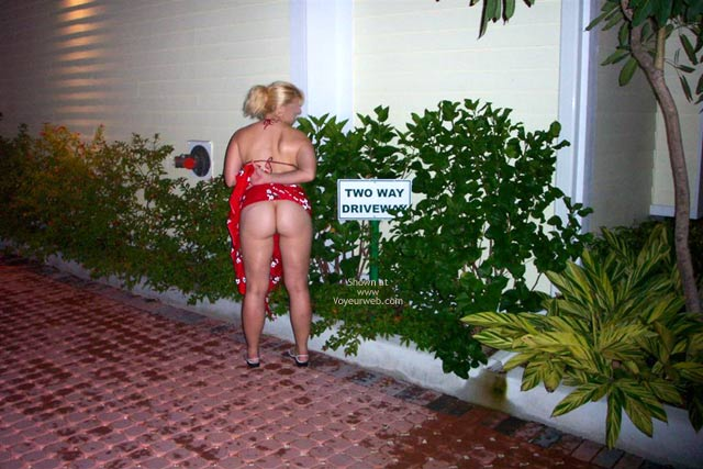 Pic #8 - Southernmost Doc Follows The Signs