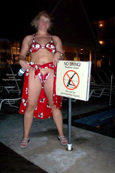 Pic #10 - Southernmost Doc Follows The Signs