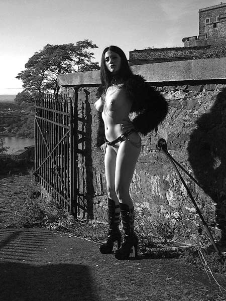 Pic #2 - Gothicbabe Sandra 30 Outdoor