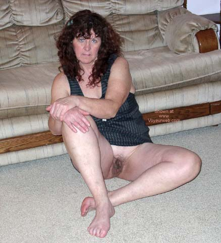 Pic #2 - My 'Mature' Lovely Wife @ Home 3