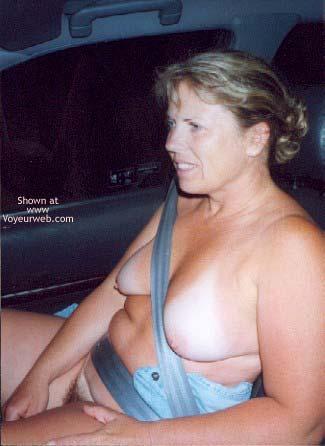 Pic #5 - Clotilde en Voiture - Clotide in a Car