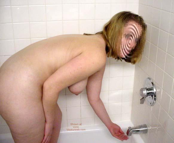 Pic #5 - Krissy in Hotel 2