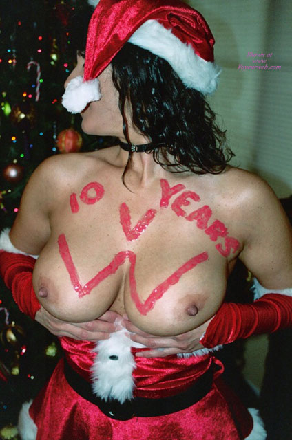 Pic #1 - Tits For Christmas - Big Tits , Santa Hat, Hands Under Tits, Pushing Tits Up, Red Paint 10 Years Vw On Chest, Knockers, Big Boobs, Holding Tits Up, Party Time, Mrs Santa Showing Her Presents