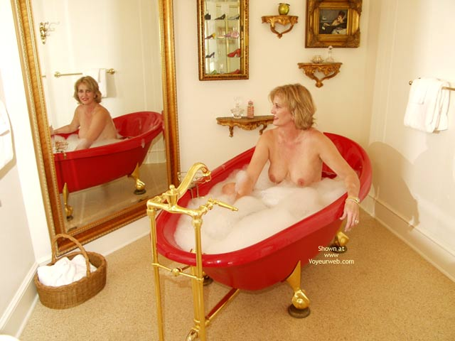 Pic #1 - Bubbles In The Tub , Bubbles In The Tub, Soft Hangers With Suckable Nipples, Face In Mirror