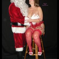 Lanaluv Meets Santa