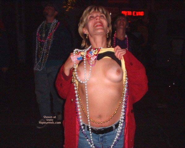 Pic #5 - Mardi Gras 2002 Contribution