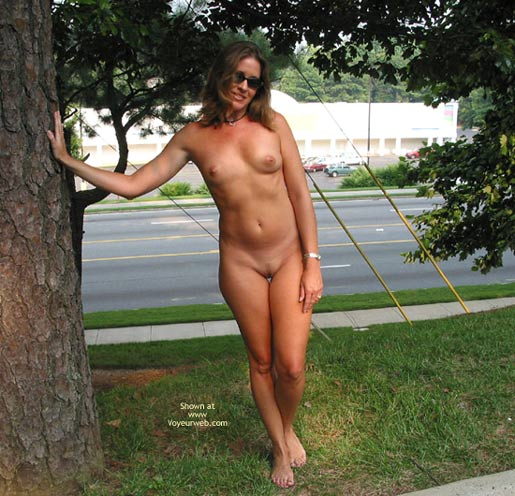 Pic #1 - Naked Outdoors - Naked Outdoors , Naked Outdoors, Fully Eip, Posing By Street
