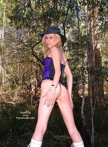 Pic #3 - Amber In The Aussie Bush