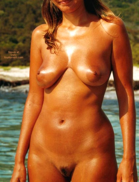 Pic #6 - Young Wife Likes  To Stay Nude On The Beach