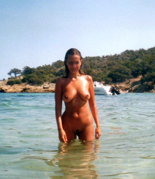 Pic #7 - Young Wife Likes  To Stay Nude On The Beach