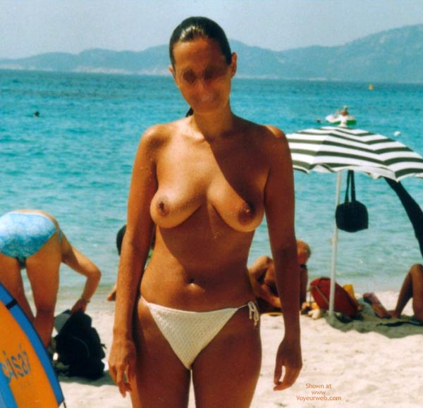 Pic #8 - Young Wife Likes  To Stay Nude On The Beach