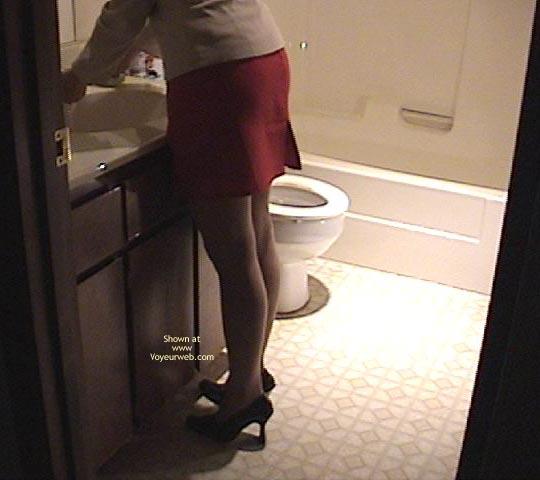 Pic #10 - Kate In Bathroom
