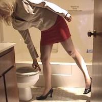 Kate Ni Bathroom 2
