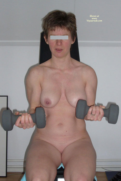 Pic #1 - Dutch Girl - Workout Part 1 , DG, 40 Yo Wife And Mother. Doing Her Daily Workout In The Hotel Gym.