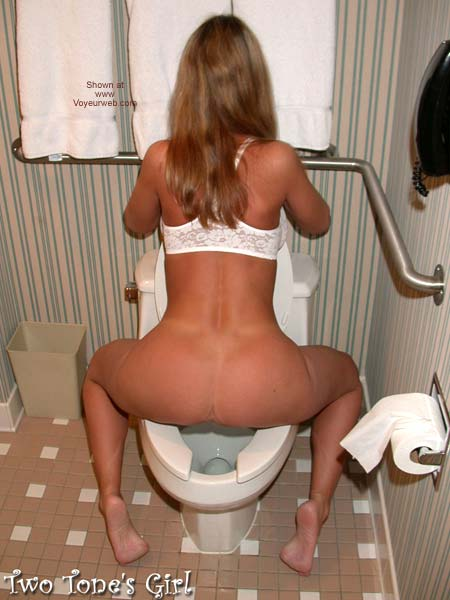 Pic #6 - Two Tone's Girl & a Toilet Seat A