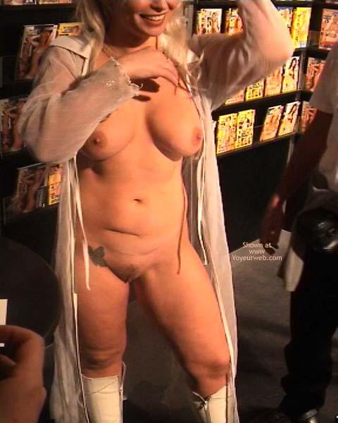 Pic #5 - German Erotic Fair Venus 24