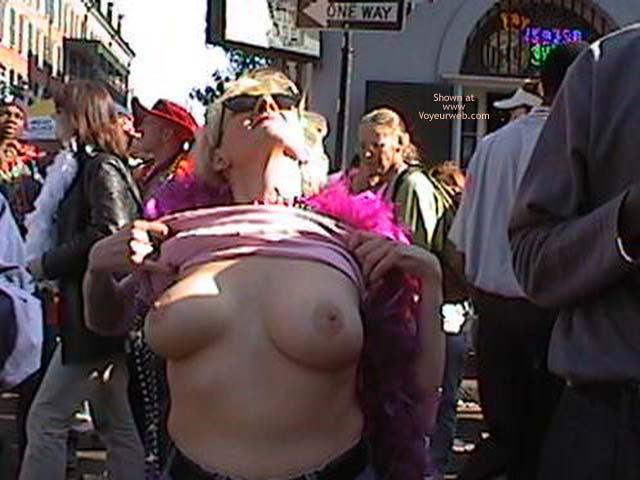 Pic #1 - Mardi Gras 2002 Show Your Boobs