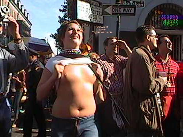 Pic #2 - Mardi Gras 2002 Show Your Boobs
