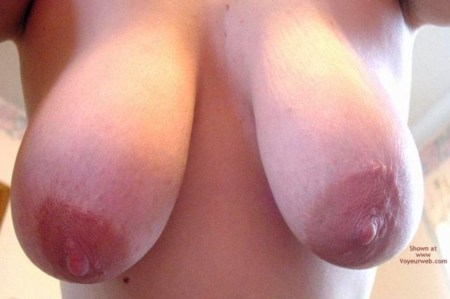 Pic #1 - Leah'S Big Breasts And Large Nipples