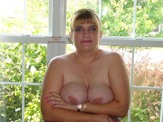Pic #7 - Leah'S Big Breasts And Large Nipples