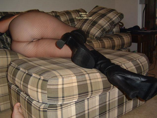 Pic #4 - Sexy Thick Bodied Lady