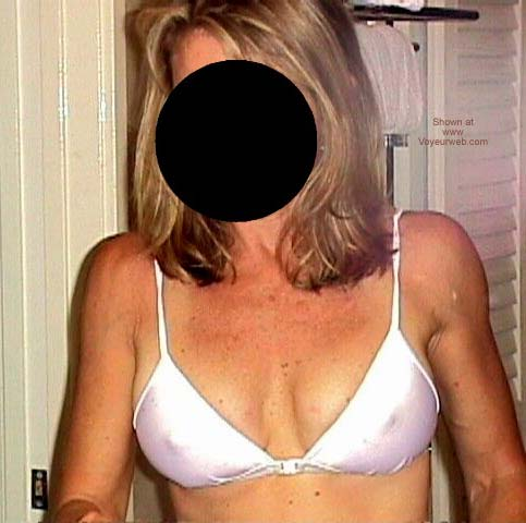 Pic #5 - Am I Wrong About Her Hot Body?