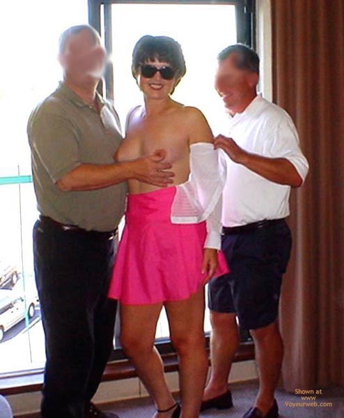 Pic #4 - Midwest Cindy  Showing Pink To Her Fans