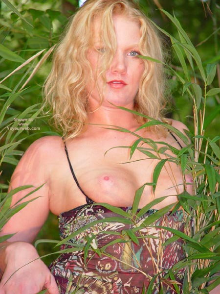 Pic #4 - Sunnybare Welcome To The Jungle 1