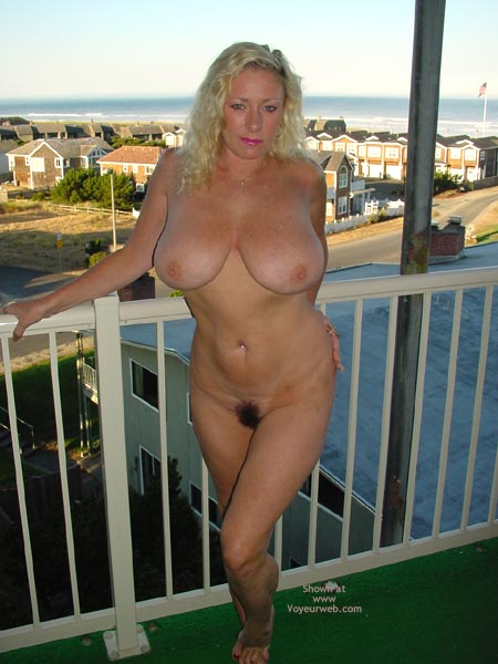 Pic #9 - Ashley Balcony 2