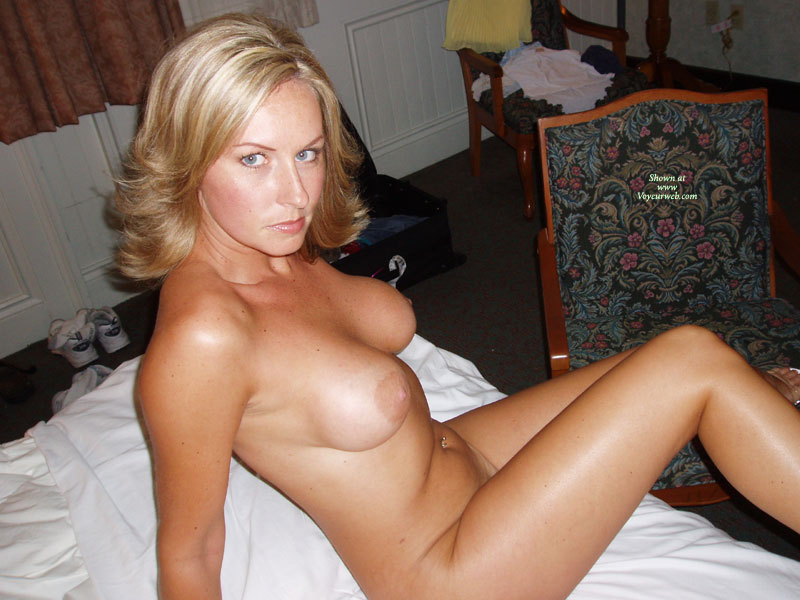Pic 7 Sexy Wifes 1st Time