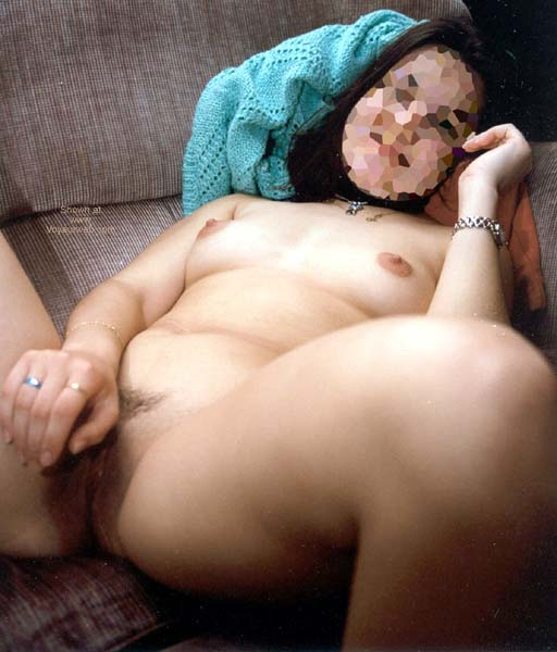 Pic #3 - 23 yo Yugoslavian Girlfriend