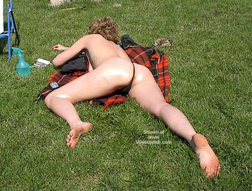 Pic #5 - Tanning In The Yard