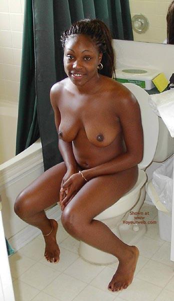 Pic #1 - Going Pee , Going Pee, Black Women, Toilet Moment