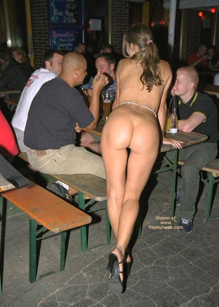 Pic #1 - *Ro Liza With Nekkid Rear Outside In Public