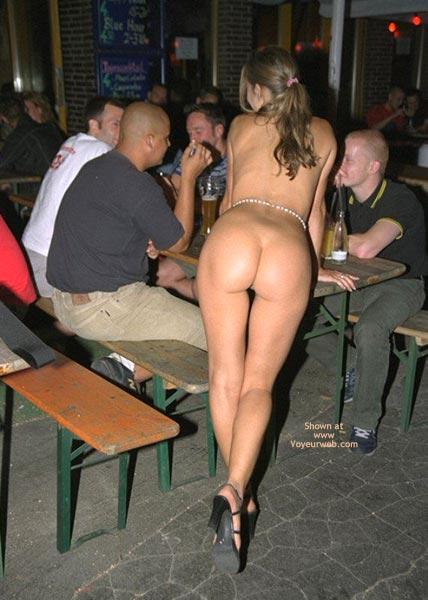 【社会】神戸のファミレスで店員の前で女性がほぼ全裸になりその様子を撮影、男女を逮捕 [転載禁止]©2ch.net xvideo>1本 YouTube動画>6本 ->画像>514枚