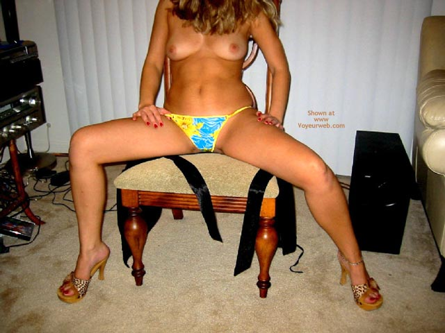 Pic #3 - Gigi Hot Body, Legs, Feet And Panties