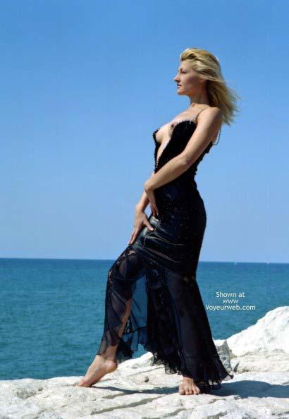 Pic #1 - A Blond Siren