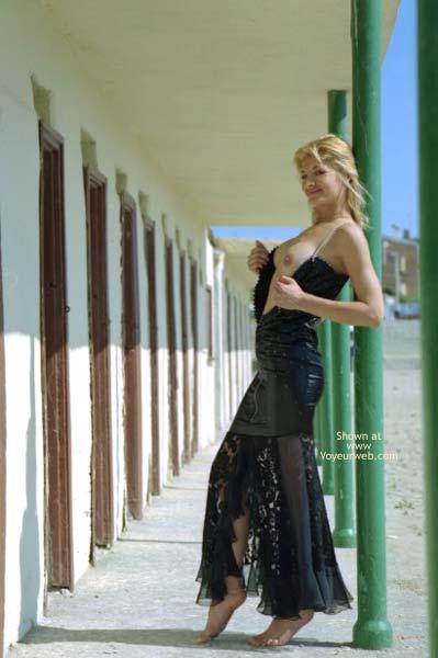 Pic #4 - A Blond Siren