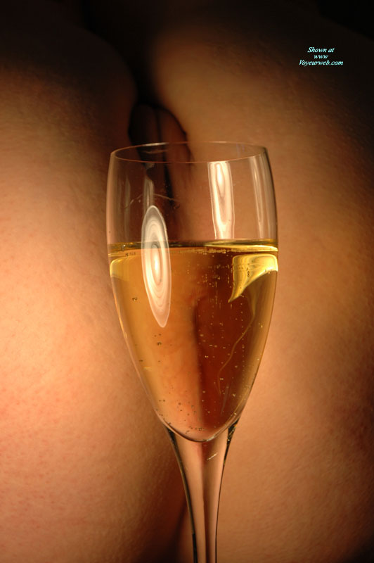 Pic #1 - Pussy And Champagne - Nude Amateur , Pussy Thru A Glass, Champaign, Glass Of Wine And Pussy, Nude Art Shot