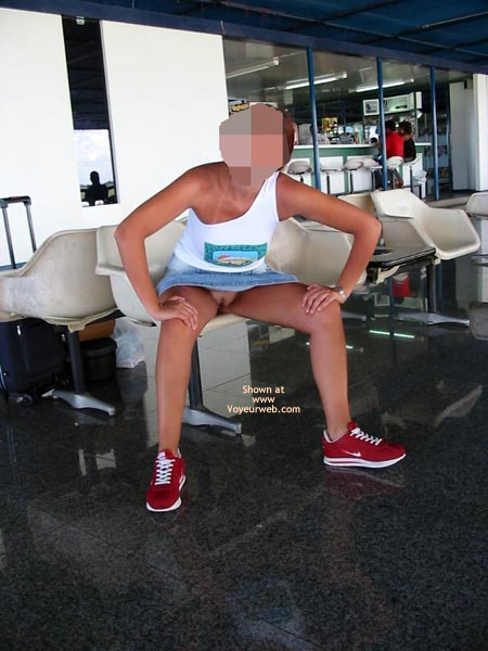 Pic #2 - Portuguese Body Airport Flash