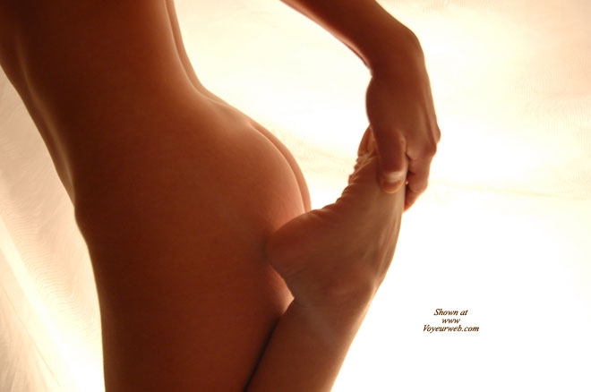Pic #1 - Stretching Woman , Youth's Beauty, Foot, Raising Foot To Ass, Body Sculpture, Yoga Stretching, Stretching Naked, Foot Fetish, Curvy Butt, Pretty Buttocks, Flexible