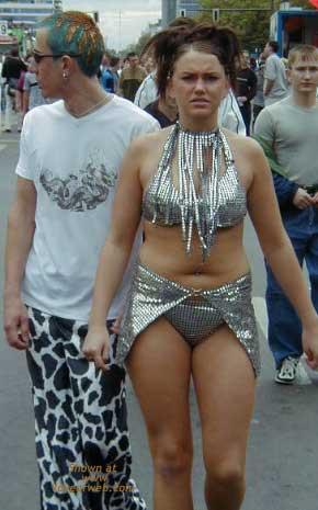 Pic #2 - Berlin Love Parade 2000 Pt.1