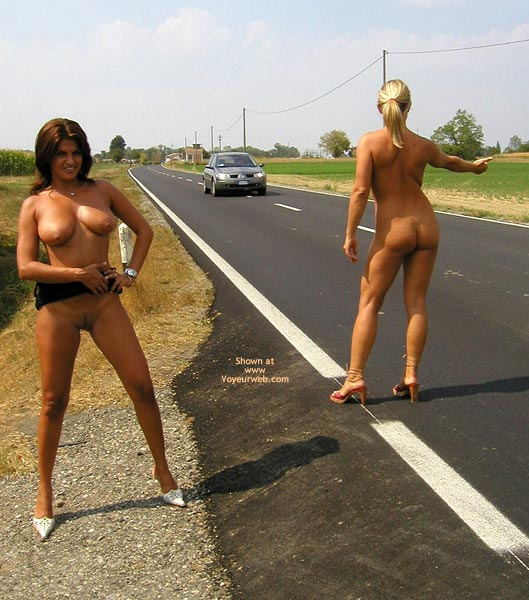 Pic #1 - *Gg Nude Hitch Hiking With Vanessa