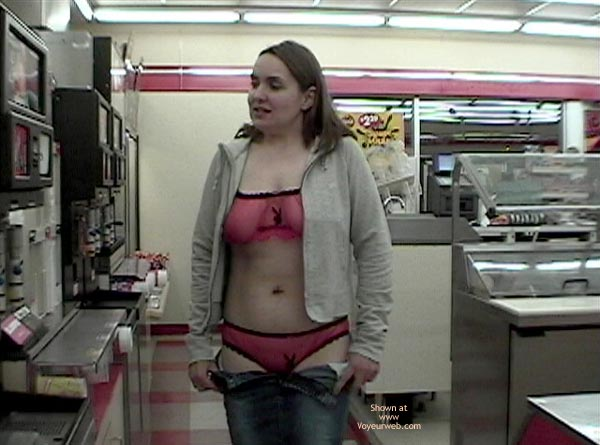 Pic #7 - A Trip To The 7-11