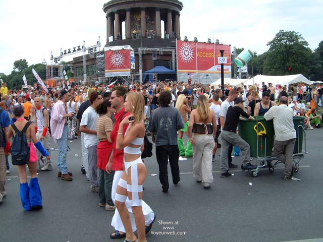 Pic #2 - Love Parade 2002 Berlin 7